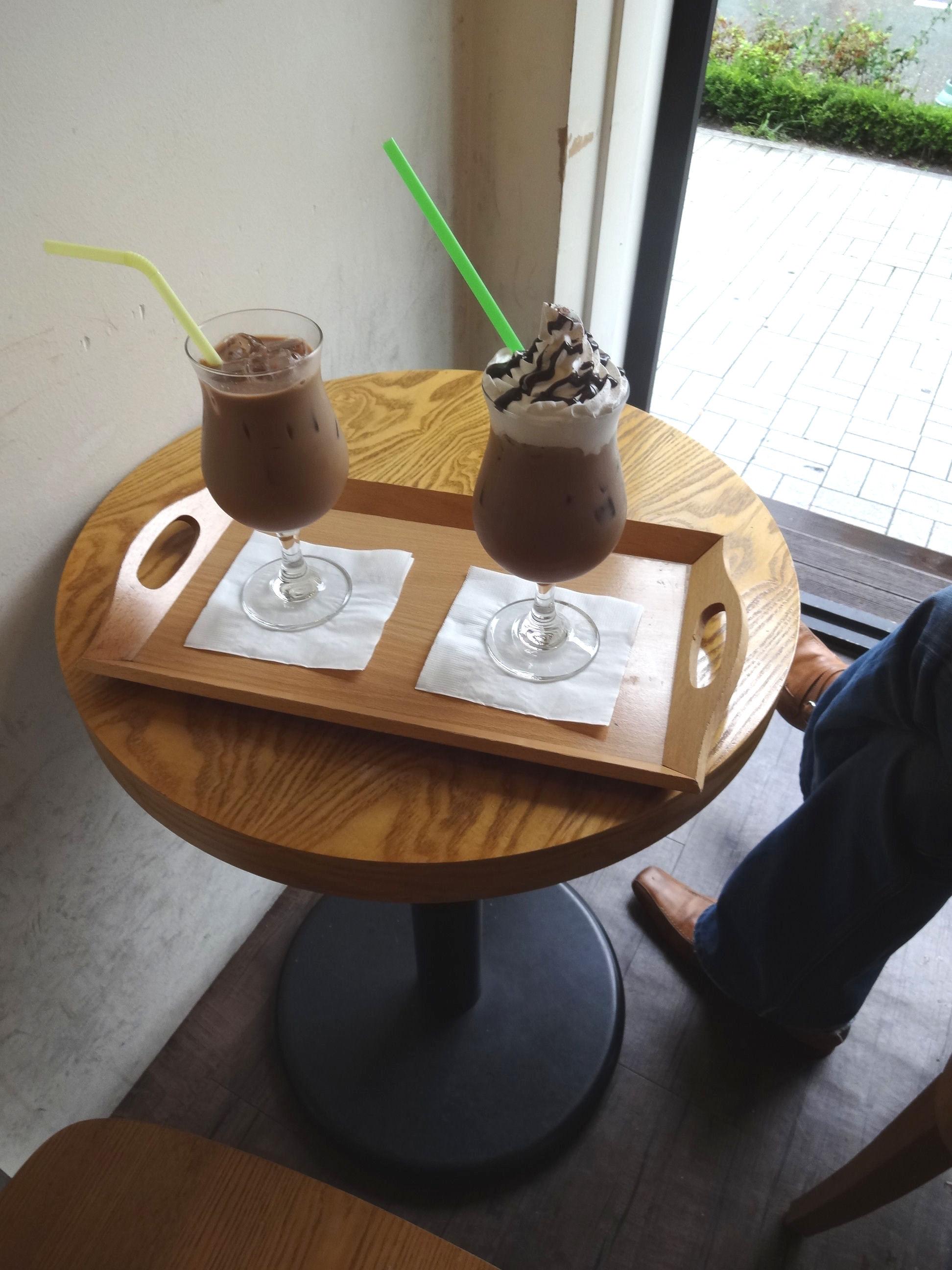 8月 ソウル旅行 その2 薬水駅 素敵カフェ「coffee a walk」_f0054260_183539.jpg