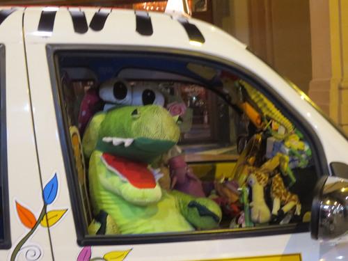 フィレンツェで有名な超お派手なタクシーのお話!!MILANO 25_c0179785_6321392.jpg