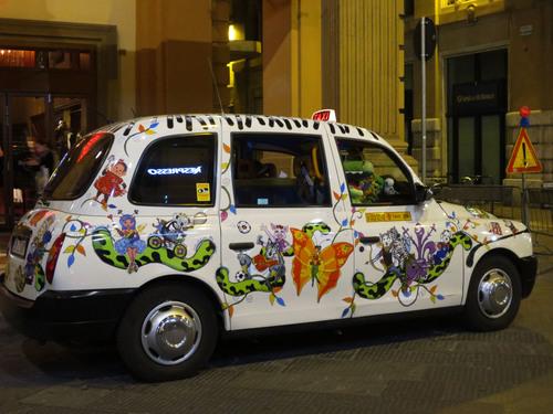 フィレンツェで有名な超お派手なタクシーのお話!!MILANO 25_c0179785_6345180.jpg