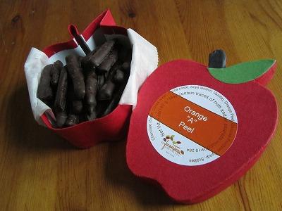 Jacques Torresのオレンジピールチョコ&ホットチョコレート_b0209691_053870.jpg