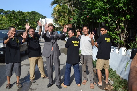 Special thanks for Japanese Overseas Corporative Volunteers of Zanzibar~青年海外協力隊の皆さんと_a0088841_2131418.jpg