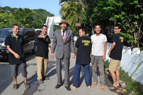 Special thanks for Japanese Overseas Corporative Volunteers of Zanzibar~青年海外協力隊の皆さんと_a0088841_22153864.jpg