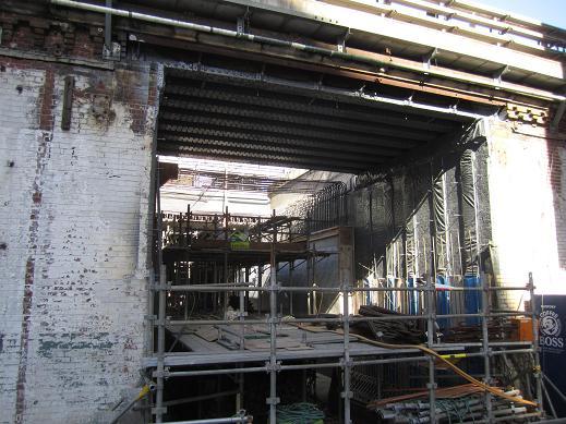 交通博物館跡地の再開発ビル(JR神田万世橋ビル)が竣工_f0030574_205579.jpg