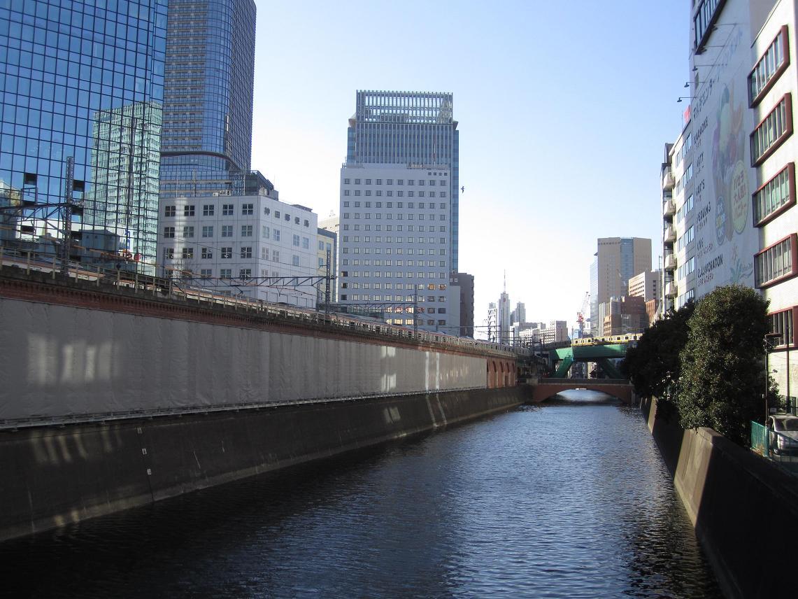 交通博物館跡地の再開発ビル(JR神田万世橋ビル)が竣工_f0030574_21112425.jpg