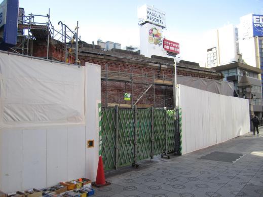 交通博物館跡地の再開発ビル(JR神田万世橋ビル)が竣工_f0030574_2192681.jpg