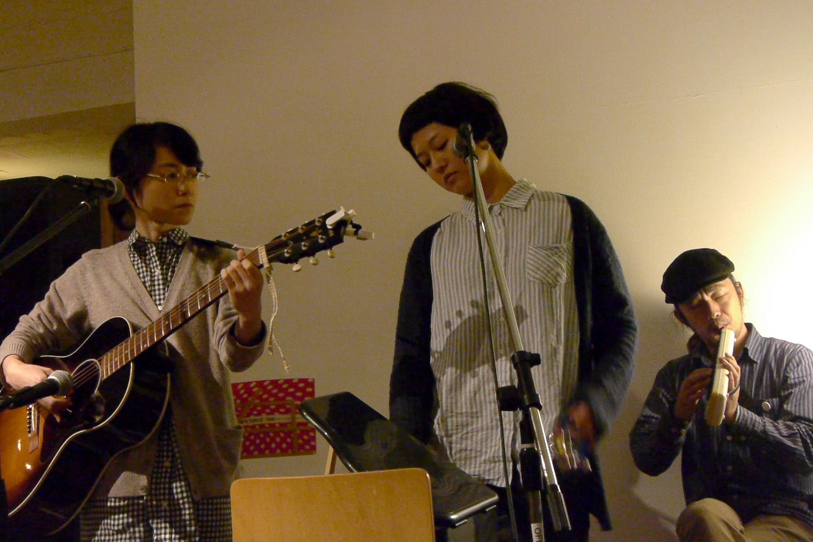 萬人音樂堂Presents レコ発ライブツアー in 沖縄 2012 OKINAWA HARMLESS @ 沖縄 Cafe & Dining Bar THREE_c0000587_19464613.jpg