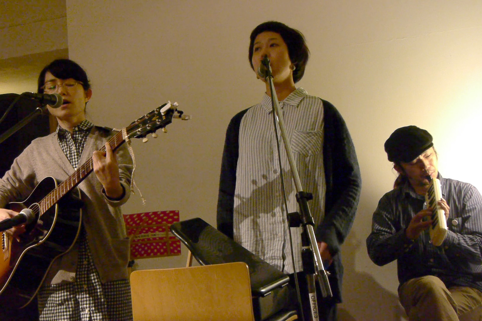 萬人音樂堂Presents レコ発ライブツアー in 沖縄 2012 OKINAWA HARMLESS @ 沖縄 Cafe & Dining Bar THREE_c0000587_19485638.jpg