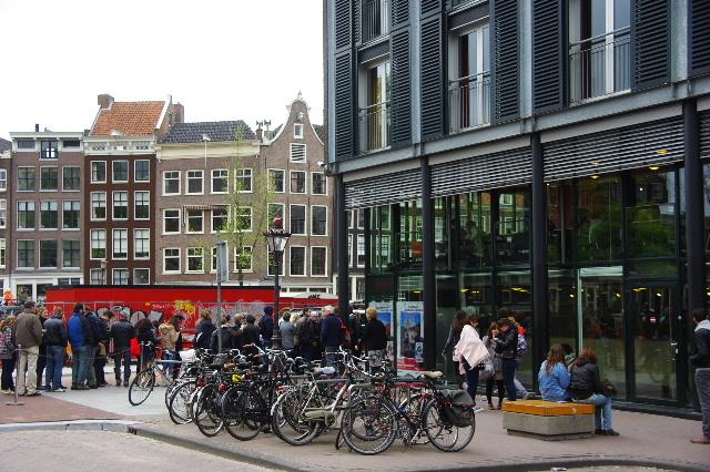 オランダの旅 (41) 【アムステルダム】 アンネ・フランクの家_c0011649_1131153.jpg
