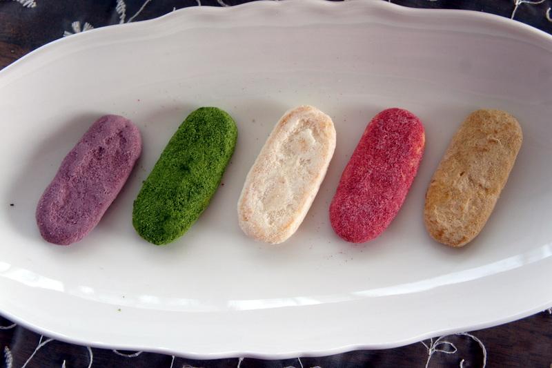 焼き菓子 ショコラ・カシスの試作・・♡ と かわいいハッピーターン_d0210450_16553240.jpg