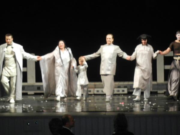 '13,3,3(土)ロシア旅行④オペラ「蝶々夫人」の観劇!_f0060461_0213283.jpg
