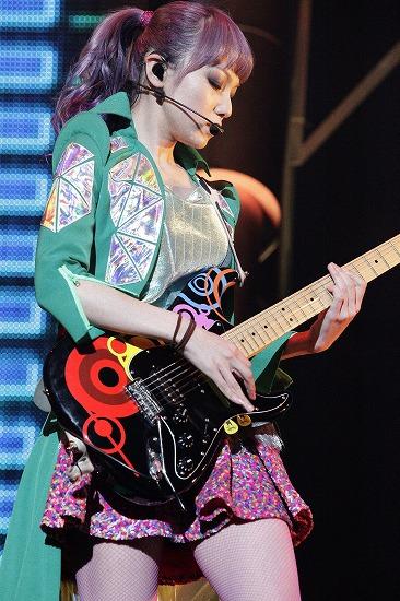 SCANDAL 夢の舞台・大阪城ホール公演に10,000人が熱狂!_e0197970_15422838.jpg