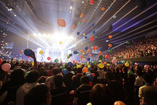 SCANDAL 夢の舞台・大阪城ホール公演に10,000人が熱狂!_e0197970_15424523.jpg