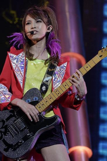 SCANDAL 夢の舞台・大阪城ホール公演に10,000人が熱狂!_e0197970_1542867.jpg