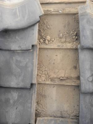 板橋区赤塚 軒先瓦のずれ落ち_c0223192_219229.jpg