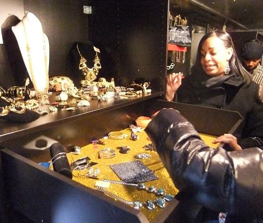 ニューヨークのファッション・トラック、「セレブリティーズ」Celebrities_b0007805_10571792.jpg