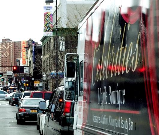 ニューヨークのファッション・トラック、「セレブリティーズ」Celebrities_b0007805_10581327.jpg