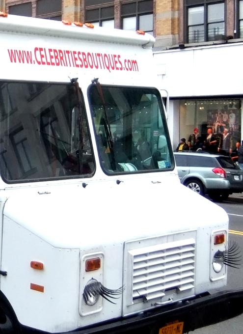 ニューヨークのファッション・トラック、「セレブリティーズ」Celebrities_b0007805_11171452.jpg