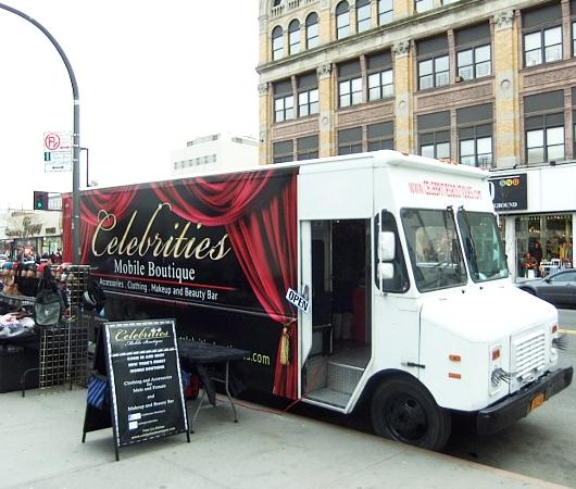 ニューヨークのファッション・トラック、「セレブリティーズ」Celebrities_b0007805_112145100.jpg