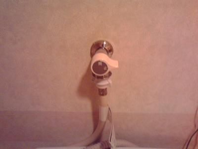 洗濯機用水栓交換工事_e0184941_18203474.jpg