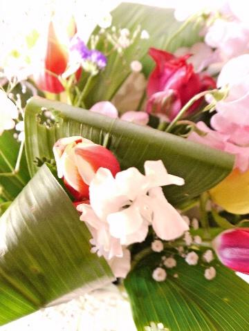 春のお花をハランにアレンジ_e0086864_223322100.jpg