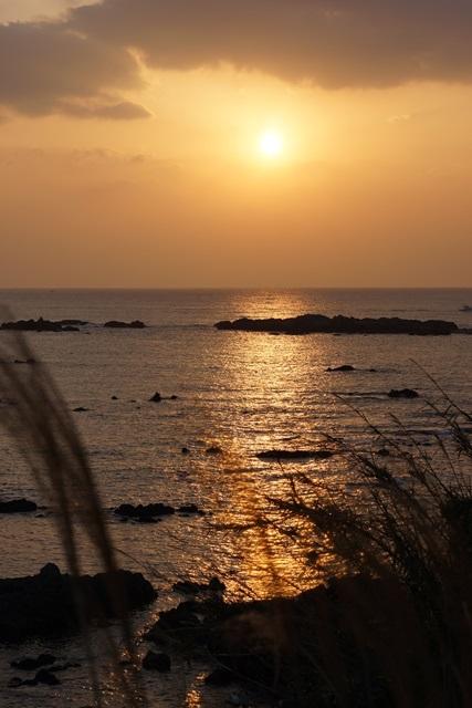 肥薩線おれんじ鉄道と美しい夕日、阿久根市の美しい夕焼け、日本一の夕日_d0181492_23203874.jpg