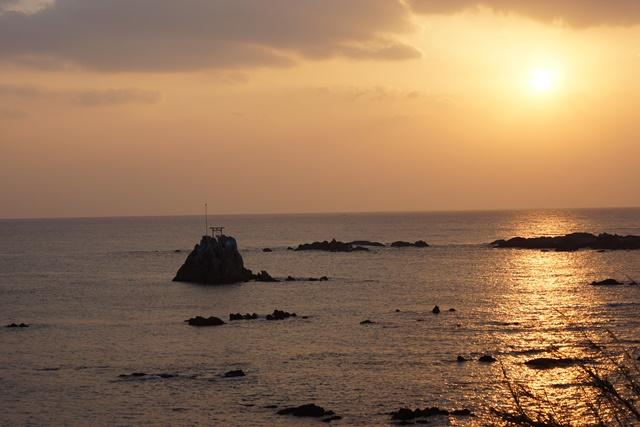 肥薩線おれんじ鉄道と美しい夕日、阿久根市の美しい夕焼け、日本一の夕日_d0181492_23205013.jpg