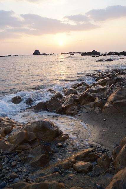 肥薩線おれんじ鉄道と美しい夕日、阿久根市の美しい夕焼け、日本一の夕日_d0181492_2323392.jpg
