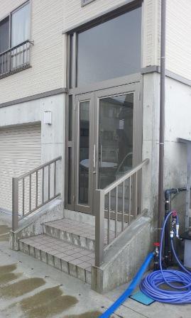 南魚沼市で玄関囲い 風除室_a0128408_9222223.jpg