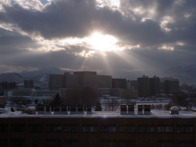 アフター排雪作業と春めく太陽_c0025115_1872976.jpg
