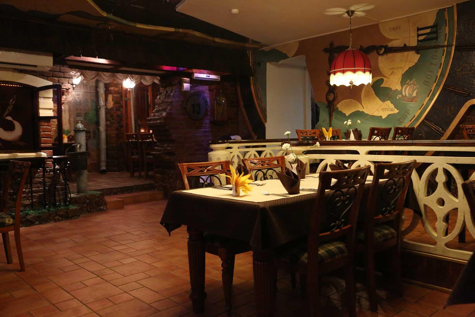 ウラジオストクのグルメ ~ おしゃれなレストランから街角の食堂まで_b0235153_8185825.jpg
