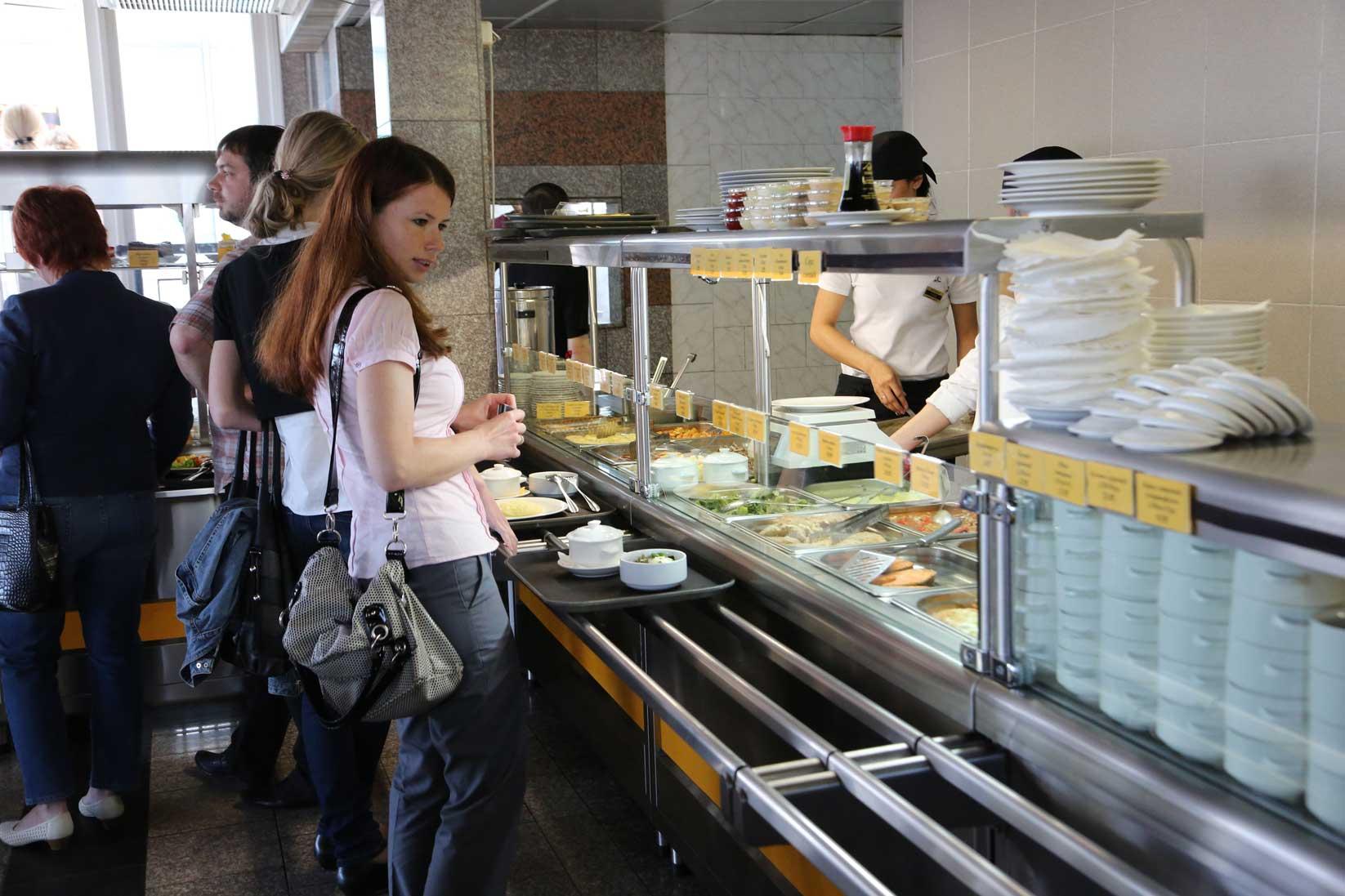 ウラジオストクのグルメ ~ おしゃれなレストランから街角の食堂まで_b0235153_8195074.jpg
