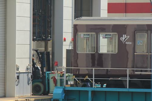 阪急7020F リニューアル工事 アルナ車両入場_d0202264_13133174.jpg