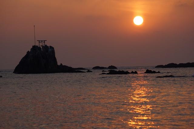 肥薩線おれんじ鉄道と美しい夕日、阿久根市の美しい夕焼け、日本一の夕日_d0181492_2004985.jpg