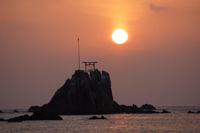 肥薩線おれんじ鉄道と美しい夕日、阿久根市の美しい夕焼け、日本一の夕日_d0181492_2011843.jpg