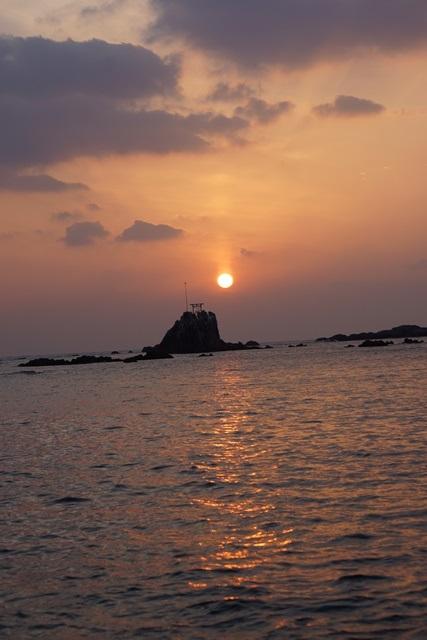 肥薩線おれんじ鉄道と美しい夕日、阿久根市の美しい夕焼け、日本一の夕日_d0181492_2013151.jpg