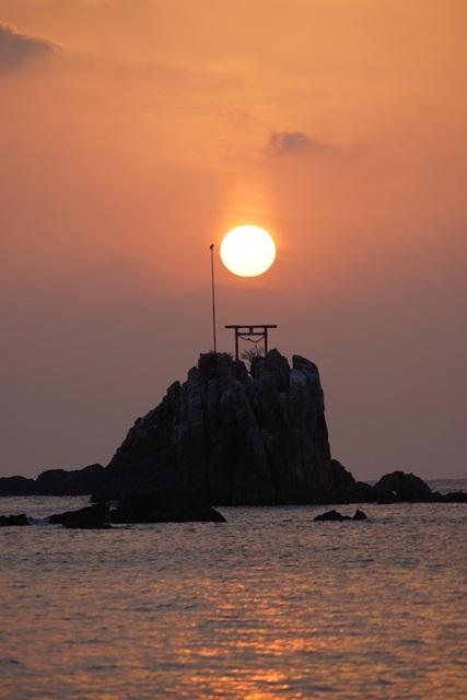 肥薩線おれんじ鉄道と美しい夕日、阿久根市の美しい夕焼け、日本一の夕日_d0181492_2014542.jpg