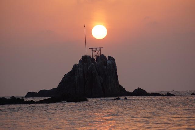 肥薩線おれんじ鉄道と美しい夕日、阿久根市の美しい夕焼け、日本一の夕日_d0181492_2021321.jpg