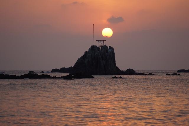 肥薩線おれんじ鉄道と美しい夕日、阿久根市の美しい夕焼け、日本一の夕日_d0181492_2023020.jpg