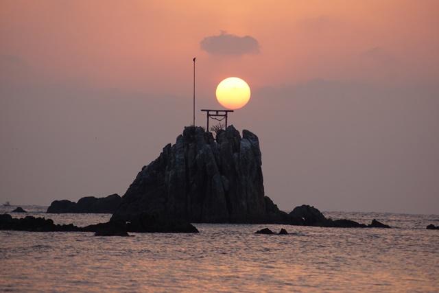 肥薩線おれんじ鉄道と美しい夕日、阿久根市の美しい夕焼け、日本一の夕日_d0181492_2034335.jpg