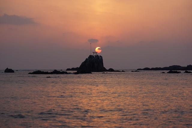 肥薩線おれんじ鉄道と美しい夕日、阿久根市の美しい夕焼け、日本一の夕日_d0181492_2035854.jpg