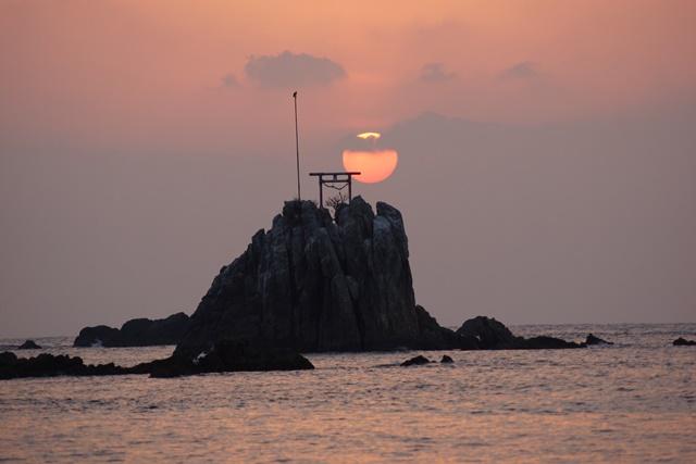 肥薩線おれんじ鉄道と美しい夕日、阿久根市の美しい夕焼け、日本一の夕日_d0181492_2041264.jpg