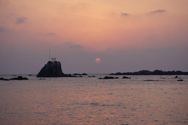 肥薩線おれんじ鉄道と美しい夕日、阿久根市の美しい夕焼け、日本一の夕日_d0181492_2045371.jpg