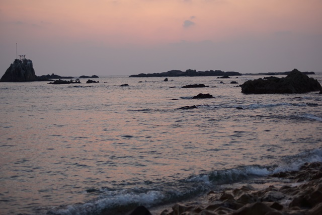 肥薩線おれんじ鉄道と美しい夕日、阿久根市の美しい夕焼け、日本一の夕日_d0181492_2052621.jpg