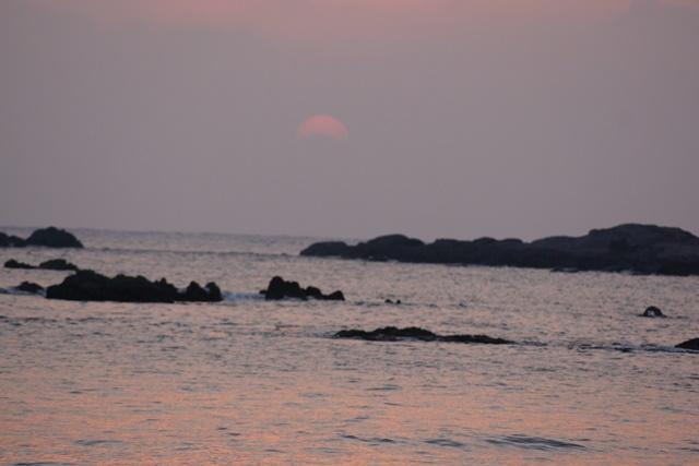 肥薩線おれんじ鉄道と美しい夕日、阿久根市の美しい夕焼け、日本一の夕日_d0181492_205666.jpg