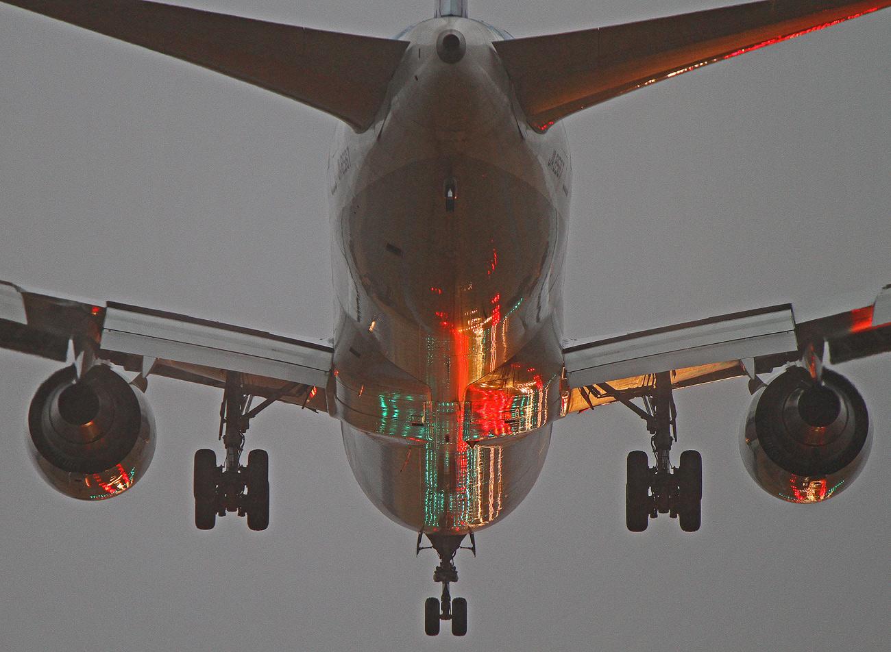 ANA (B-767)。_b0044115_8223748.jpg