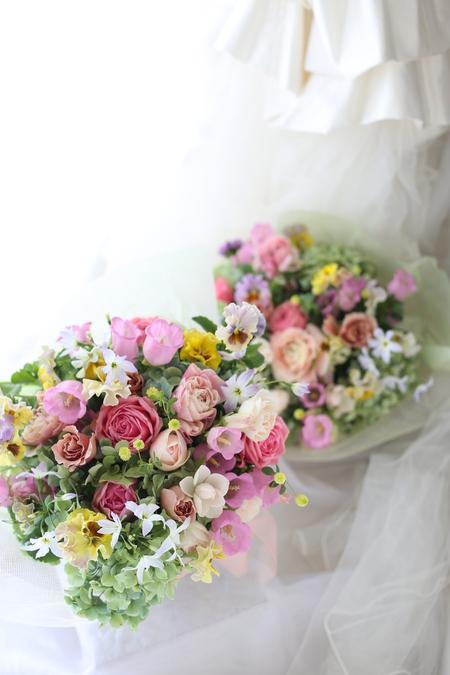 御両親贈呈用の花 春の花 かごで遠方へお持ち帰り_a0042928_154461.jpg
