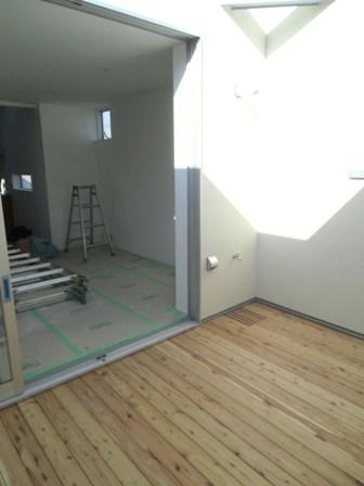 「(仮)流山の3階建て」壁に黒板の塗料を施しました_f0170331_14591411.jpg