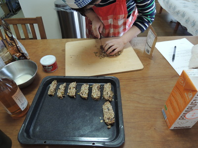 ミートボール 根菜甘酒煮 グラノラバー を作りました_b0252363_15483144.jpg