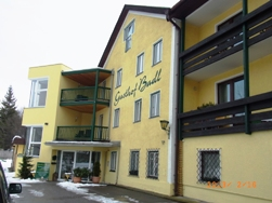 Austria 岩塩と銀貨で栄えた町ハル・イン・チロル_e0195766_16443628.jpg