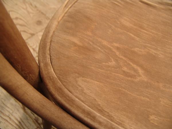ポーランド製・古い木のイス入荷!!●世田谷・若林店●_a0096367_1940826.jpg